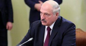 Лукашенко пригрозил «поставить на место» СМИ и блогеров, распространяющих фейки о COVID-19