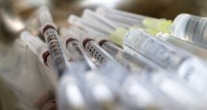 В Якутии ввели обязательную вакцинацию против COVID-19