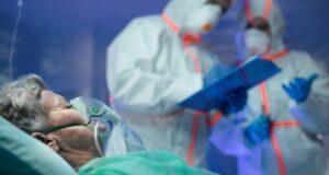 Больше заражённых, но меньше смертей: Главное о коронавирусе на 1 августа